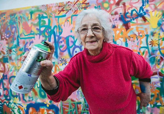 Projeto português combate clichês ao ensinar técnicas de street art para idosos