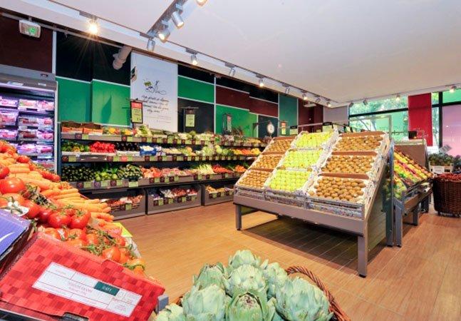 França obriga supermercados a doarem alimentos que seriam descartados