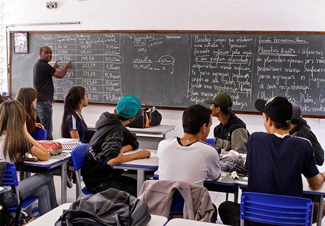 Alunos do ensino médio de SP vão poder escolher disciplinas a partir do ano que vem
