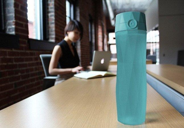 Garrafa inovadora avisa quando você tem que beber água