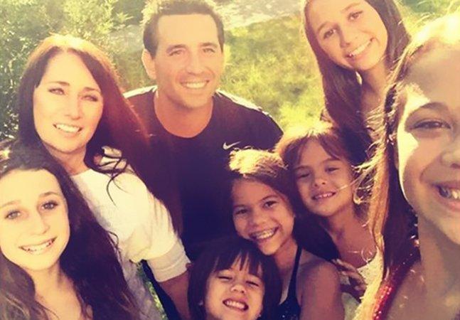 Família adota as 4 filhas de uma amiga após ela morrer de câncer e é ajudada por campanha de crowdfunding