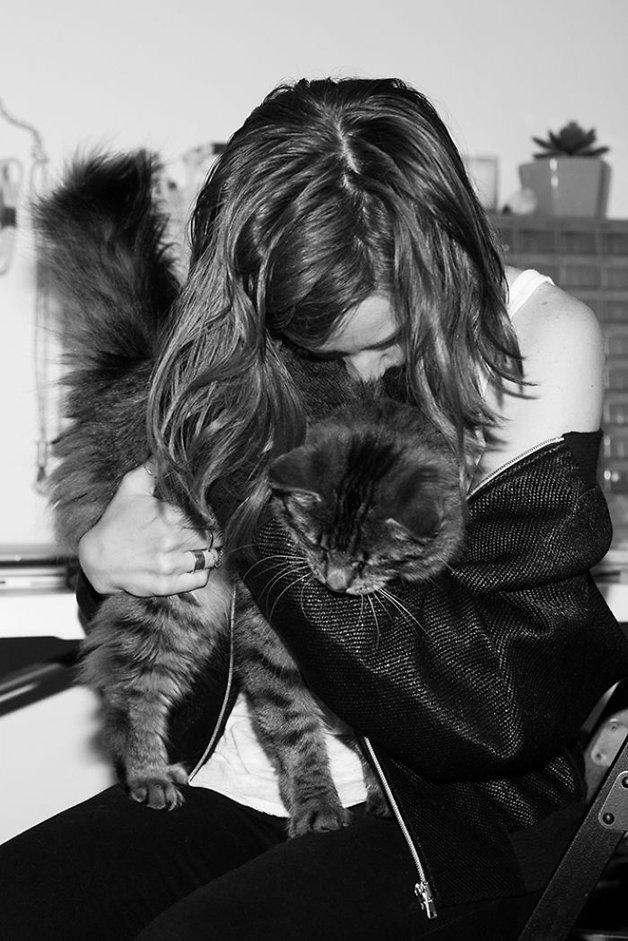 mulheres-gatos9