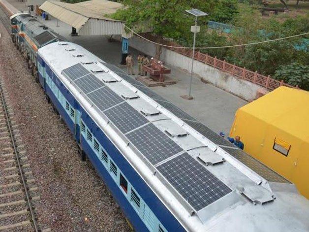 solar-powered-trains