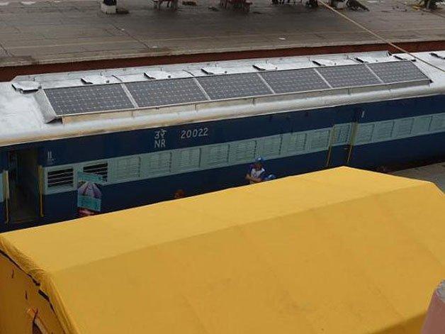 solar-powered-trains3