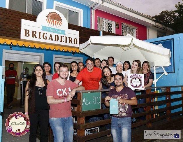 Grupo no O Famoso Brigadeiro  (Foto Liza Strapasson)