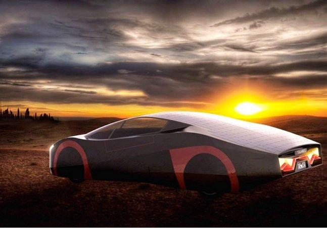 Carro elétrico com painel solar permite dirigir um dia inteiro sem recarregar