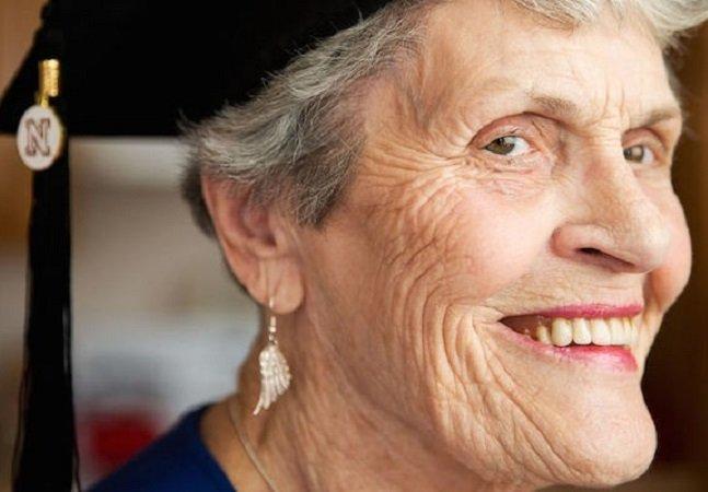 A história da bisavó de 87 anos que voltou pra faculdade após ficar viúva e se prepara para terminar o curso