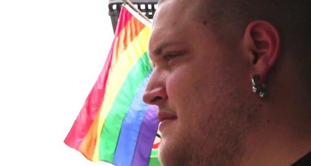 kurek-gay3