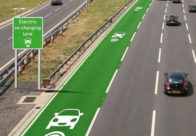 Reino unido testa estrada que recarrega carros elétricos