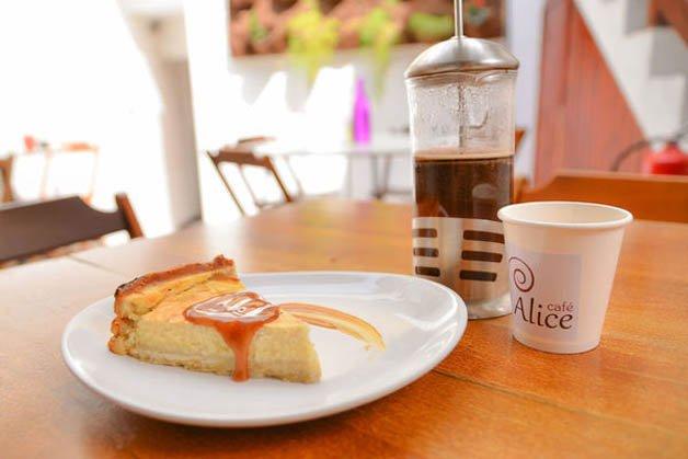 Alice Cafe