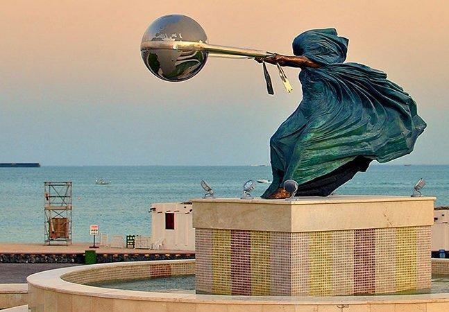 Artista cria fantásticas esculturas para representar a força da natureza