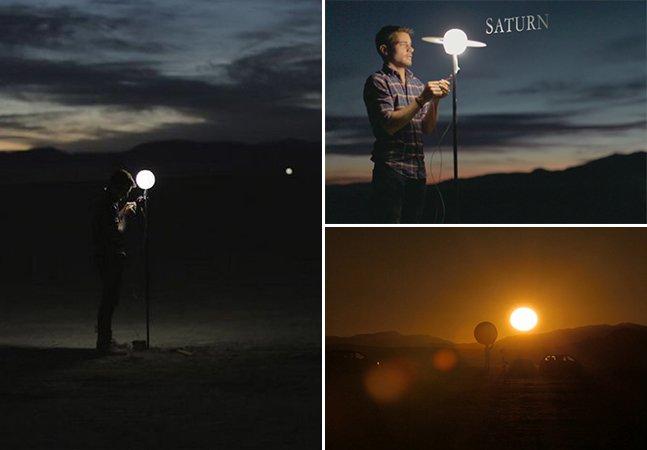 Dupla de amigos constrói réplica do sistema solar no deserto em vídeo impressionante