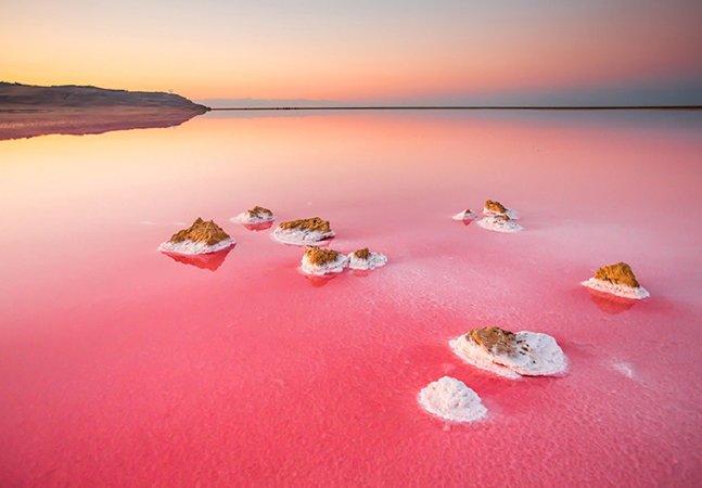 Conheça o incrível lago rosa da Ucrânia