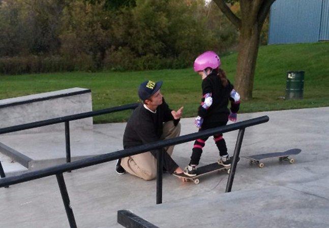A carta de uma mãe para um garoto de 15 anos que ajudou sua filha a aprender a andar de skate