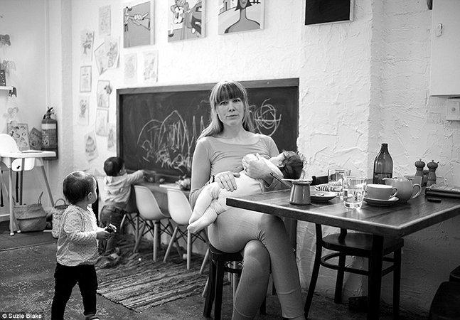 Cansada de fotos retocadas, mãe mostra a realidade por trás da amamentação