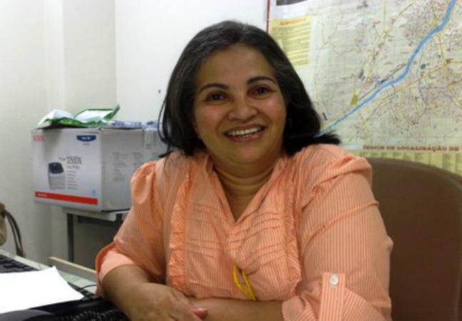 A empregada doméstica brasileira que usou livros achados no lixo para se tornar juíza