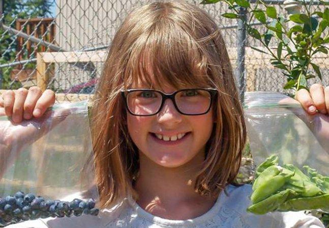 Garota de 9 anos cultiva horta em casa para alimentar moradores de rua