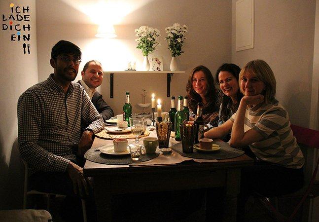 Projeto incrível leva alemães a convidar refugiados para jantar em suas casas