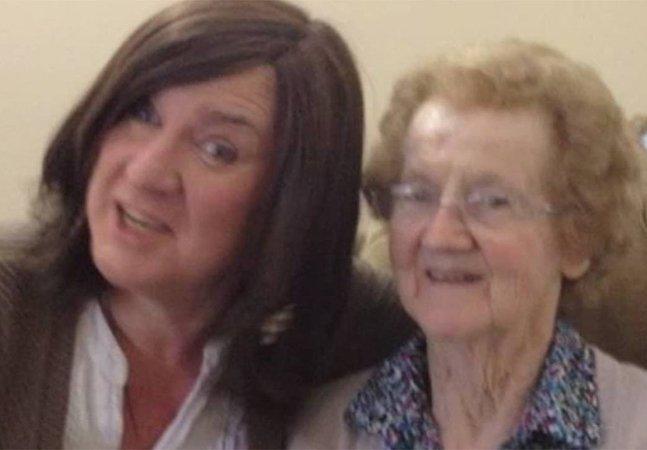 Mulher transexual se declara todos as vezes que vê sua mãe com Alzheimer e as reações são inspiradoras