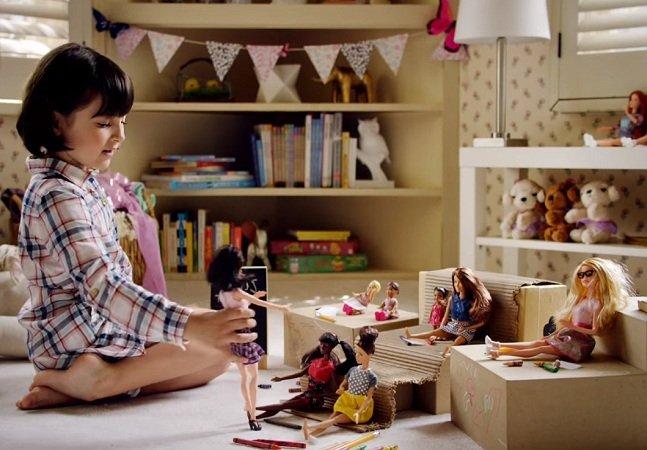 O que deveríamos aprender com este comercial inspirador da famosa boneca Barbie
