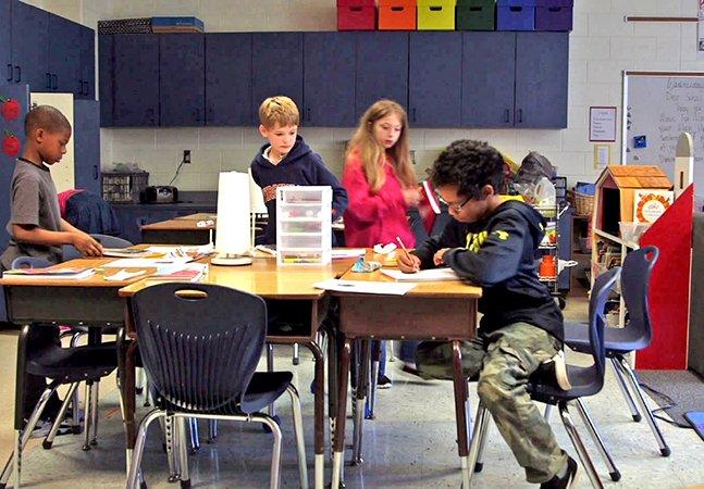 Sala de aula flexível: conheça o modelo em que os alunos podem estudar o que quiserem