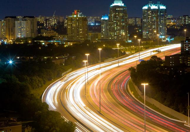 São Paulo toma medida inovadora pra consumir e poluir menos com iluminação pública
