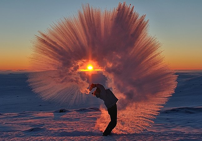 O que acontece quando você derrama chá quente a -40ºC durante o pôr-do-sol