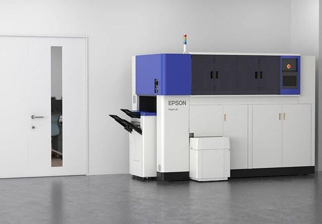 Empresa lança máquina de reciclar papel que não precisa de água (nem de árvores!) pra funcionar