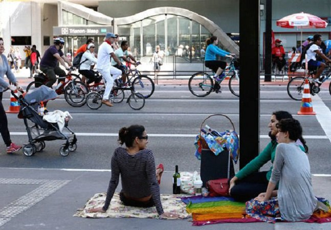 Projeto propõe mobiliários portáteis para ajudar a população a curtir os espaços públicos de SP