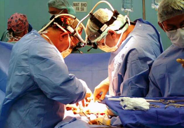 Hospital inova e faz primeiros transplantes de pênis para ajudar veteranos de guerra