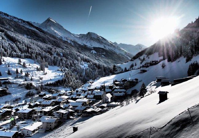Ela mostra como poucos as maravilhas de fazer ski nos Alpes