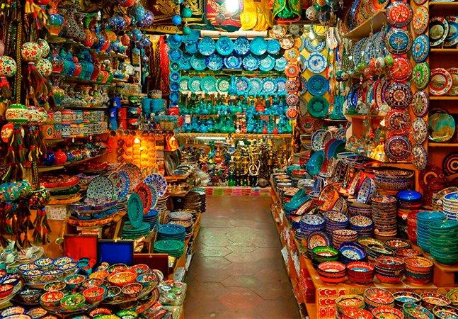 O mercado mais antigo do mundo fica na Turquia e continua sendo dos mais visitados