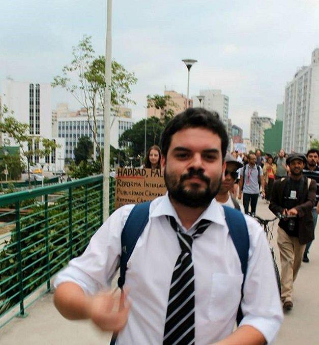 Luiz Guilherme Ferreira em ato pela criação do Parque Augusta, em São Paulo