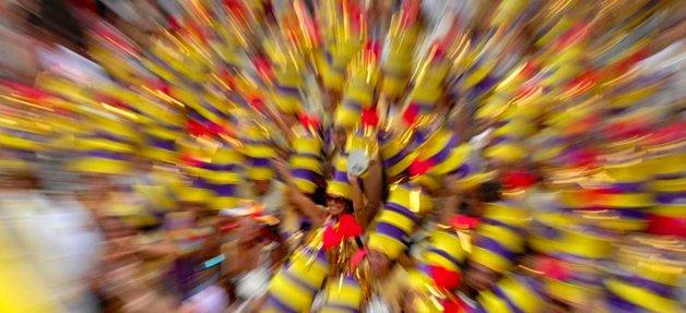 Os foliões do Simpatia, vestidos com as cores do Engov ©Alexandre Durão