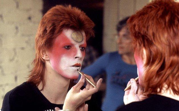 "Bowie ""parindo"" Ziggy Stardust"
