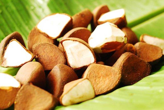 Alcrim, cravo, citronela e andiroba. Os principais ingredientes do repelente. © Divulgação