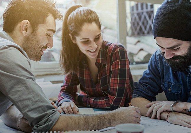 Empresa inova e oferece até  70% de bolsa em diversas faculdades