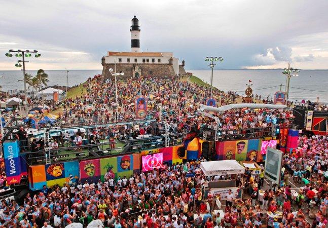Salvador proíbe músicas homofóbicas e discriminação em seu Carnaval