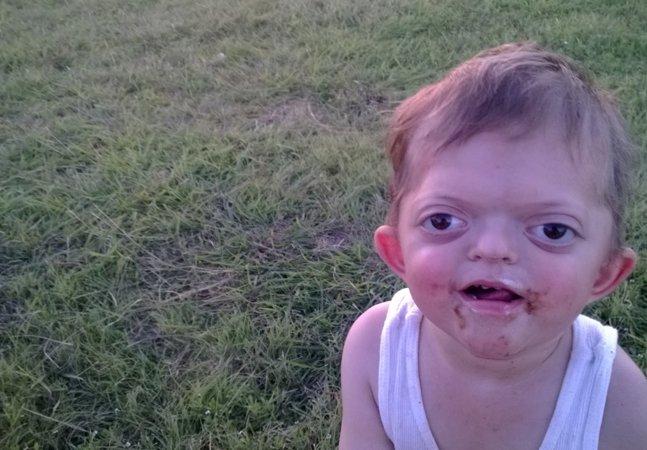 A luta de uma mãe para banir memes com a foto de seu filho com deficiência