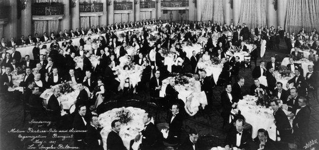 Primeira reunião organizacional da academia, em 1927