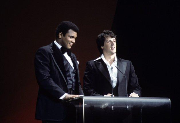 Muhammad Ali e Silvester Stallone, em 1977, quando Rocky, de Stallone, ganhou melhor filme e melhor diretor