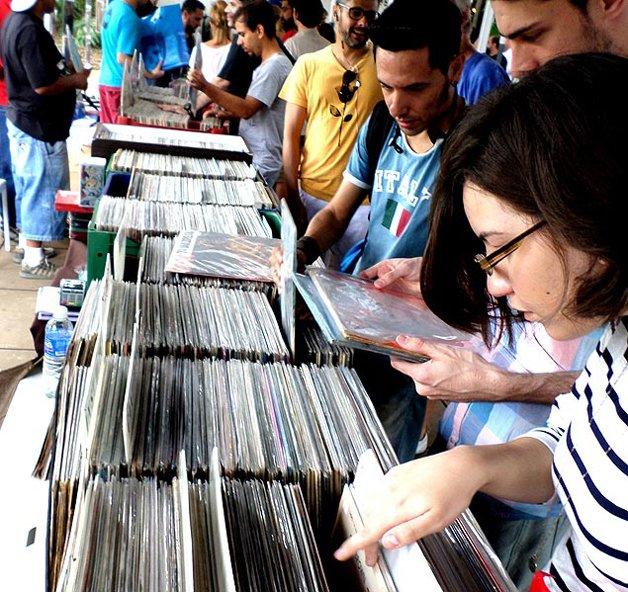 Uma das várias feiras de vinil que surgiram recentemente pelo Brasil
