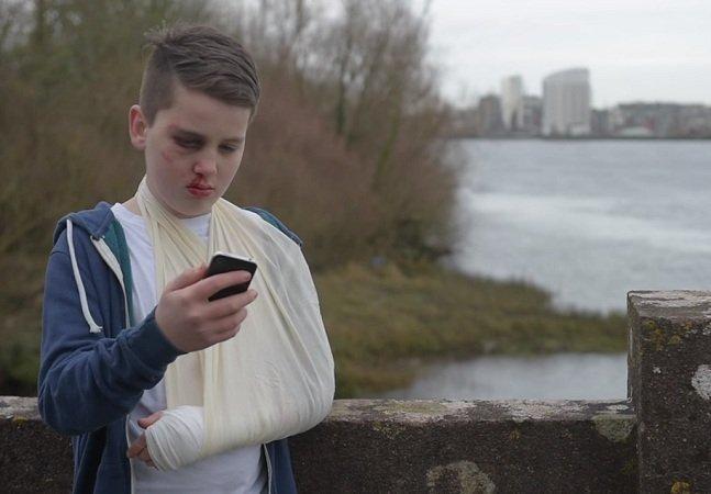 Garoto cria vídeo poderoso para mostrar como o cyberbullying afeta a vida de adolescentes