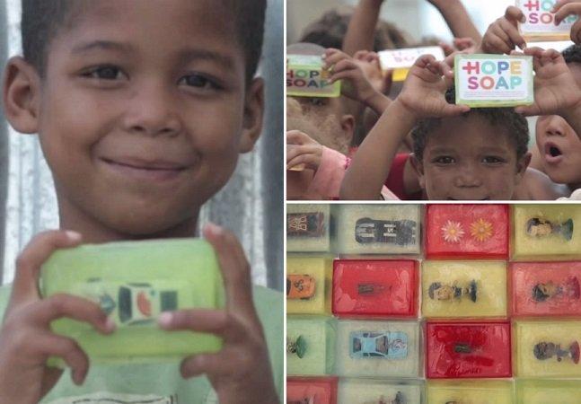 Como um brinquedo escondido num sabonete melhorou a higiene de crianças de comunidade africana