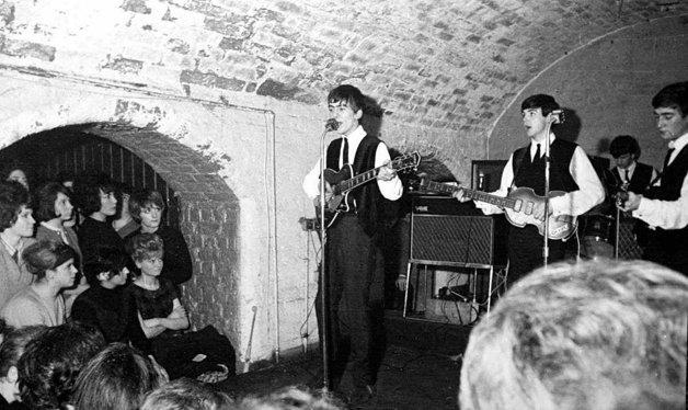 ... e no início dos anos 60, com os Beatles no palco