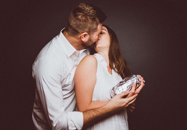 Casal de comediantes apaixonado por 'burritos' cria álbum de família hilariante
