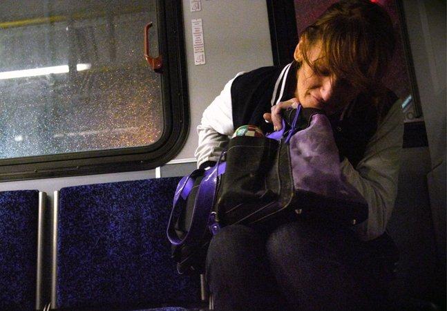 Ele encontrou um meio de  dar voz aos questionamentos e  desejos de três viciados em heroína