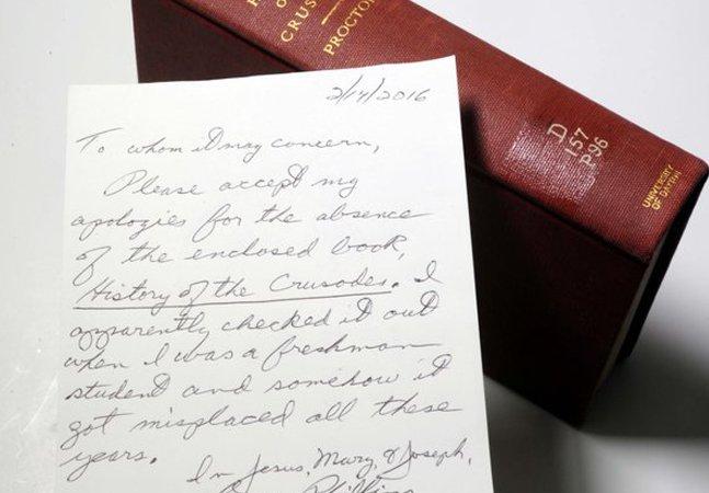 Livro é devolvido a biblioteca  49 anos depois com um  honesto bilhete de desculpas
