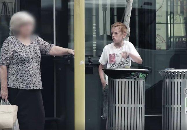Quando foi que deixamos de nos importar com crianças remexendo no lixo?