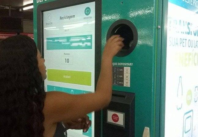 Chegou por aqui:  máquina troca lixo por descontos  no metrô e na conta de luz em SP